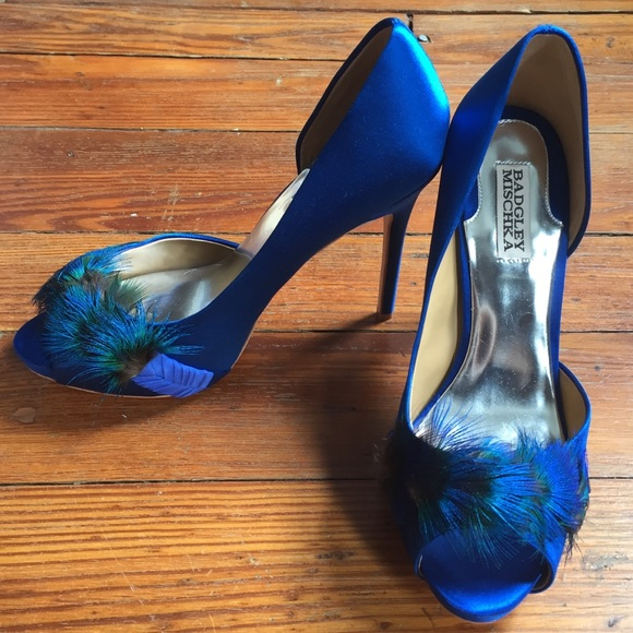 b6e454c53 Badgley Mischka Shoes - 🍒Badgely Mischka Piper Platform Pump in Peacock